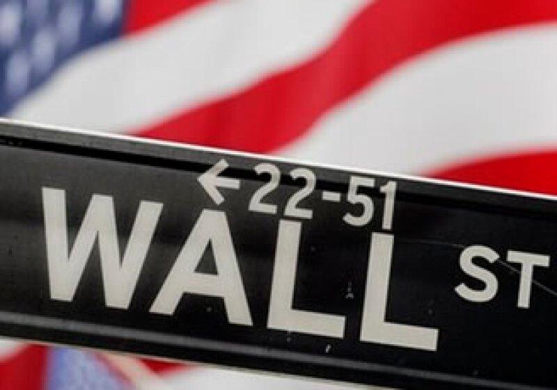 La economía estadounidense creció más de lo esperado en los últimos tres meses de 2009. (Foto: AP)