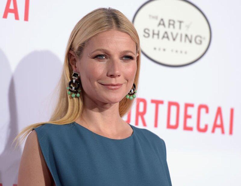 A sus 46 años, Gwyneth Paltrow es experta en aplicar gloss en los labios de manera correcta. De esta manera se ven más llenos e hidratados.