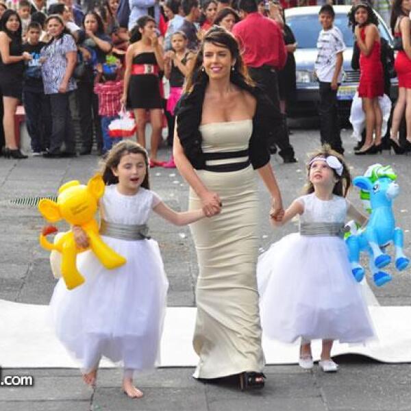 Maky Soler con sus hijas