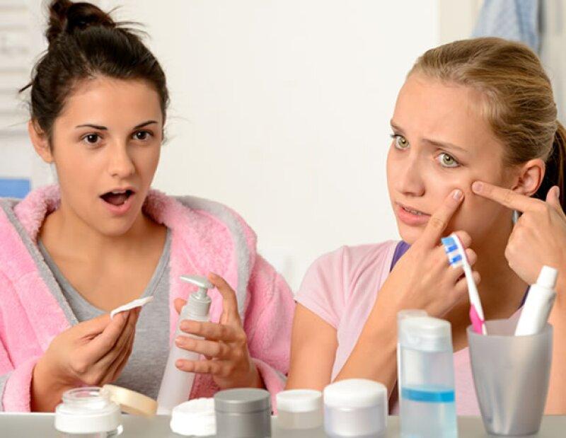 Estos 10 productos son un NO definitivo al momento de pensar en ponerlos en la cara. En vez de hacerle bien, le harán un daño a tu piel inimaginable.