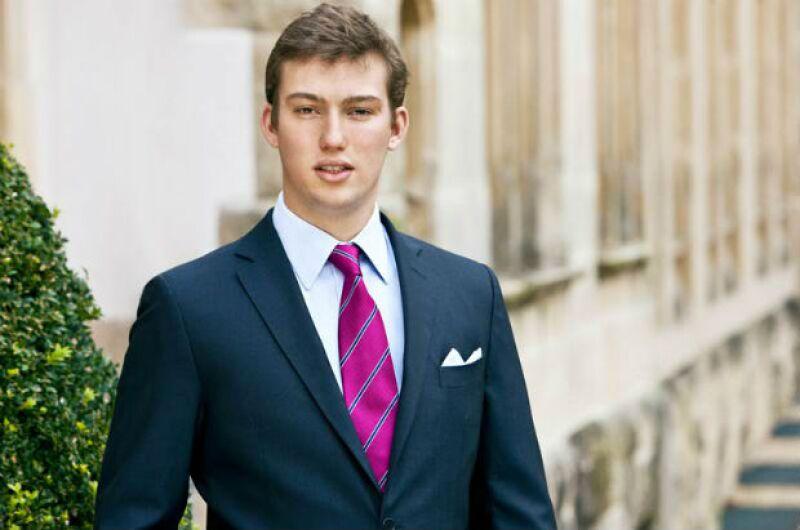El príncipe Sebastien es joven pero ya muestra el porte de su familia.