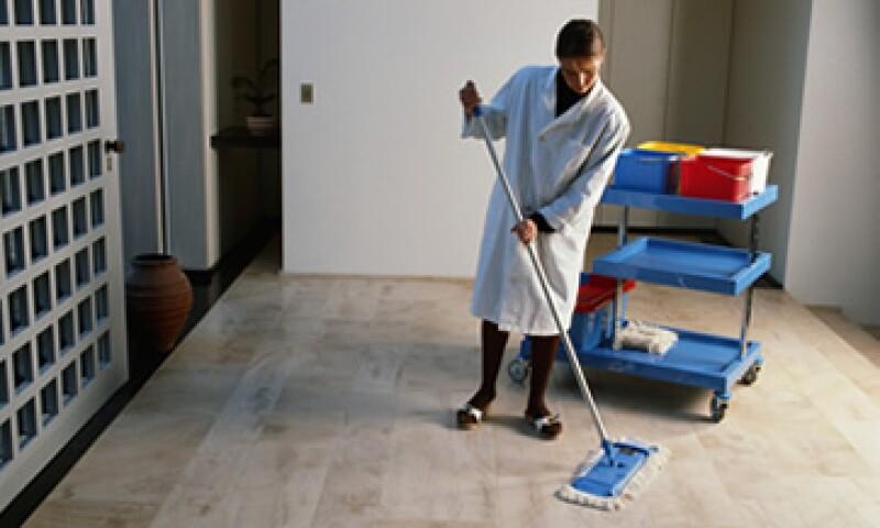 60% de las empleadas domésticas en México sufre jornadas extenuantes de trabajo y una paga mínima, según el INEGI. (Foto: Photos to Go)