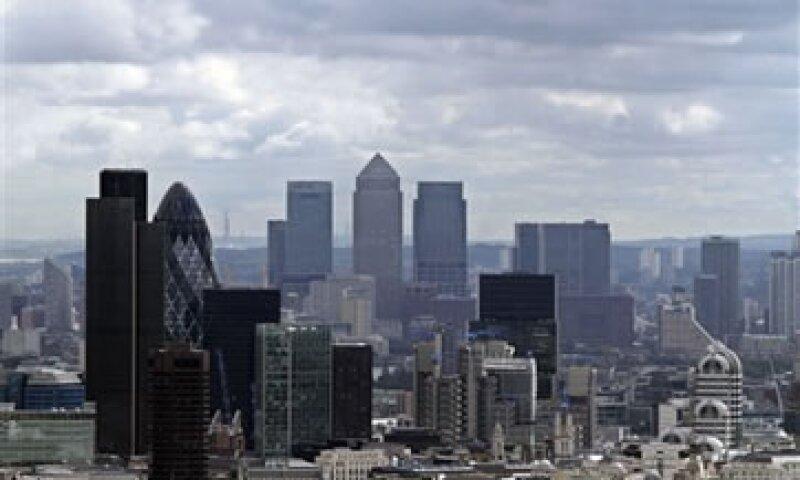 El escándalo de manipulación de la tasa Libor sacudió al fuerte sector financiero británico.  (Foto: AP)