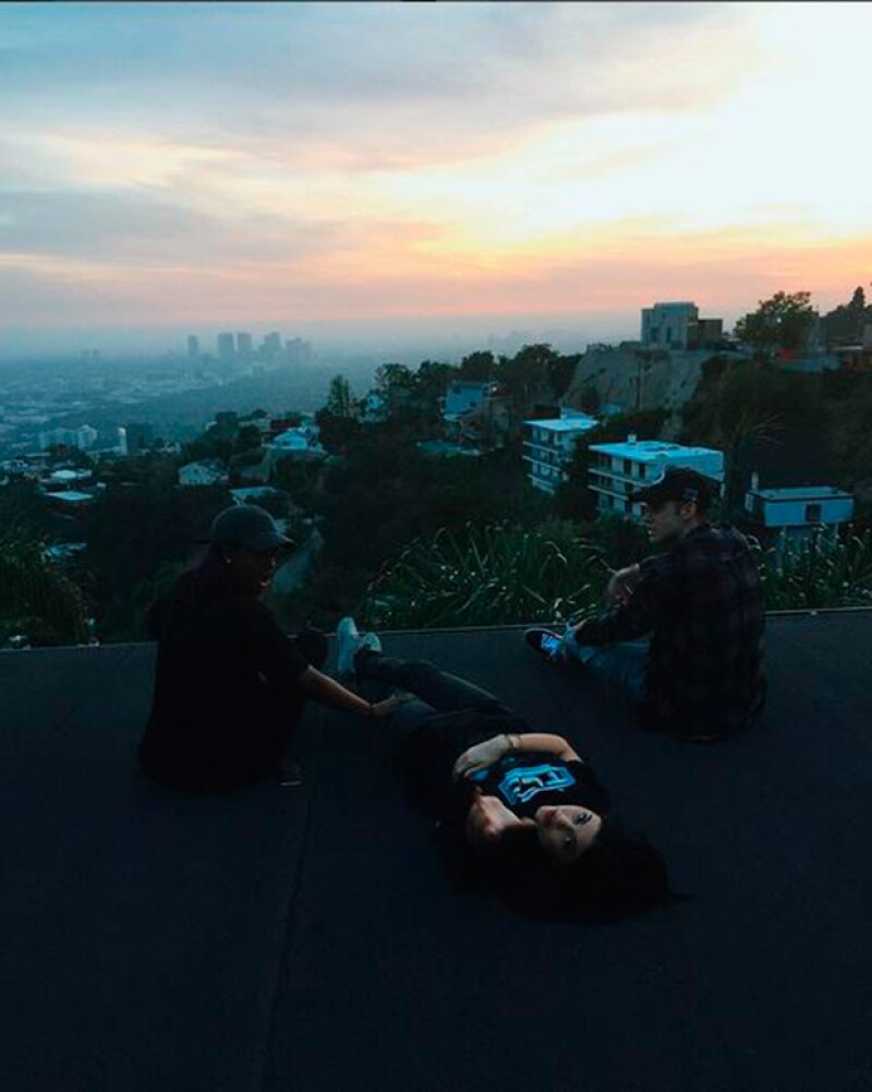Kylie Jenner también estuvo celebrando a su amigo Justin en Los Ángeles.