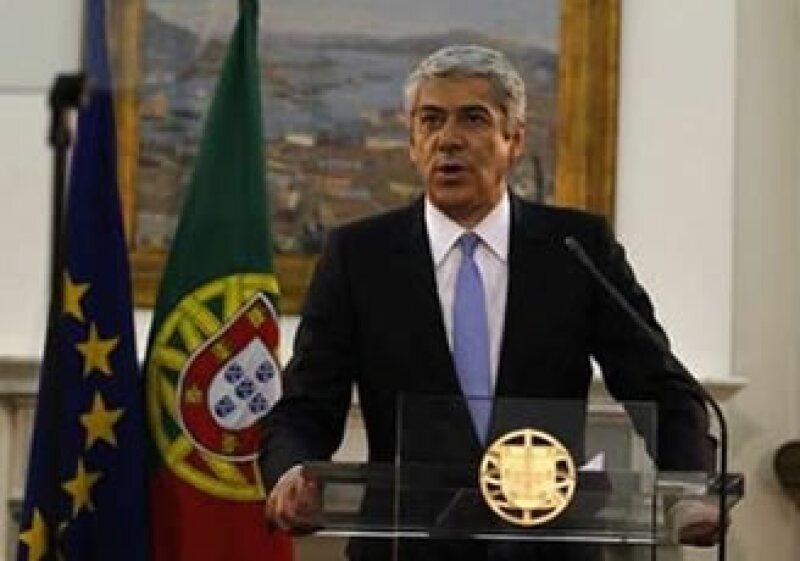 El primer ministro de Lisboa, José Sócrates, presentó su renuncia al presidente portugués. (Foto: Reuters)