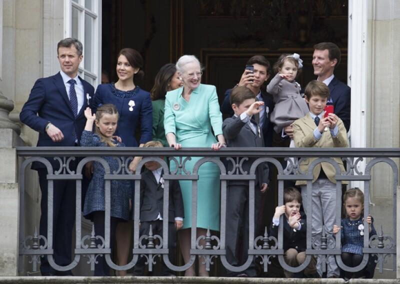 Los nietos de la reina acompañaron a su abuela el día de hoy en su cumpleaños.