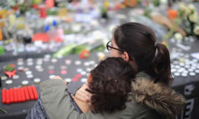 Facebook aseguró que activó sus alertas porque había mucha actividad en la red durante los ataques, según ejecutivos. (Foto: Getty Images )