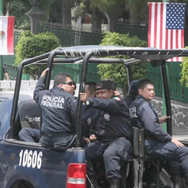 Más de 6,000 efectivos de diferentes corporaciones mexicanas y estadounidenses resguardan el perímetro y el interior de la zona donde permanecerá Obama por unas 24 horas.