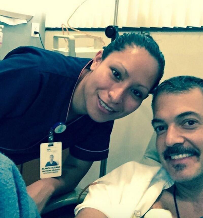 El conductor argentino compartió con sus seguidores una imagen donde aparece recibiendo tratamiento por el cáncer que lo aqueja desde hace varios años.