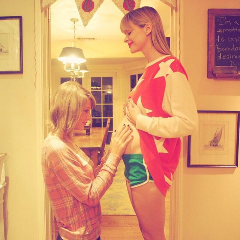 Taylor contó muy emocionada a sus fans que será la madrina del futuro bebé de su amiga.