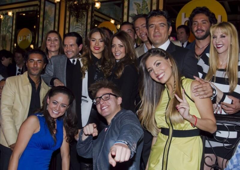 Galilea Montijo, Andrea Legarreta y Raúl Araiza continuarán en la nueva etapa del programa bajo la producción de Carla Estrada, junto a Juan José Origel y Héctor Sandarti, entre otros.