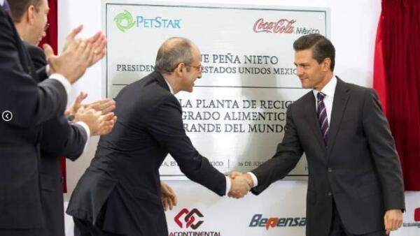 Pe�a Nieto inaugura planta PET de Coca Cola