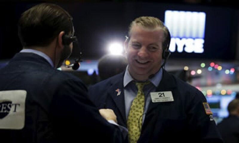 El Dow Jones avanzaba 0.39% en la Bolsa de Nueva York. (Foto: Reuters)