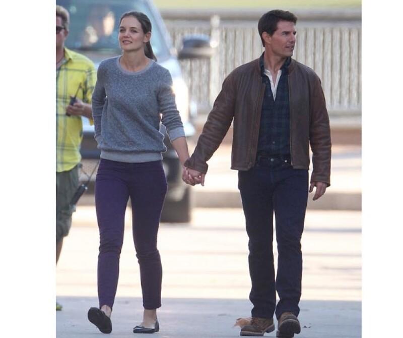 La pareja no dejó de mostrarse lo mucho que se aman con abrazos, besos y caricias frente a todos los presentes en el set de la cinta One Shot en la que participa el actor.