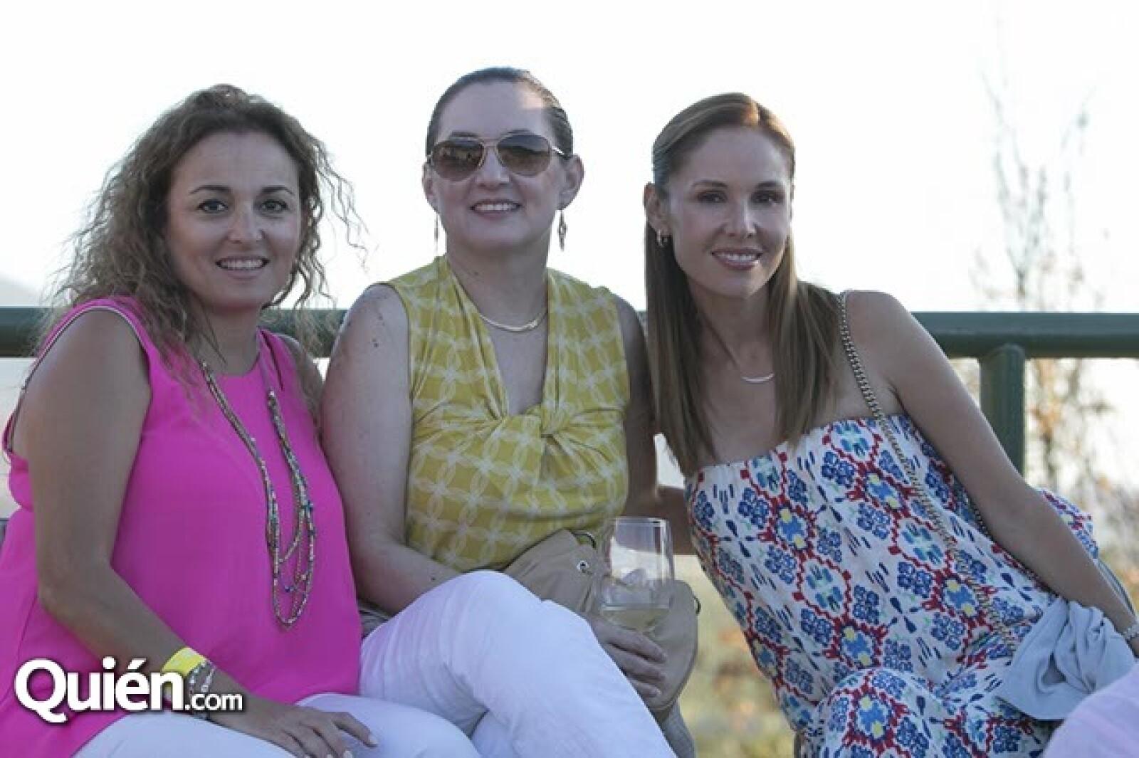Dore Flores,Laura de Rentería y Patricia de Cota