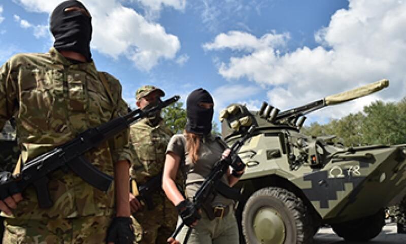 La UE está indecisa sobre imponer sanciones más severas a Rusia. (Foto: AFP)