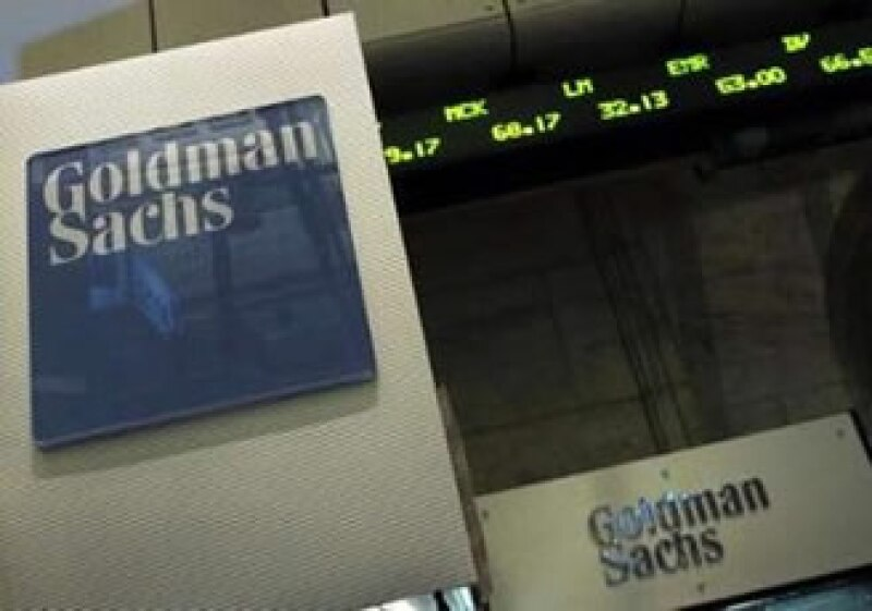Inversionistas y entidades estatales en EU quieren aprovechar el momento para golpear al gigante. (Foto: Reuters)