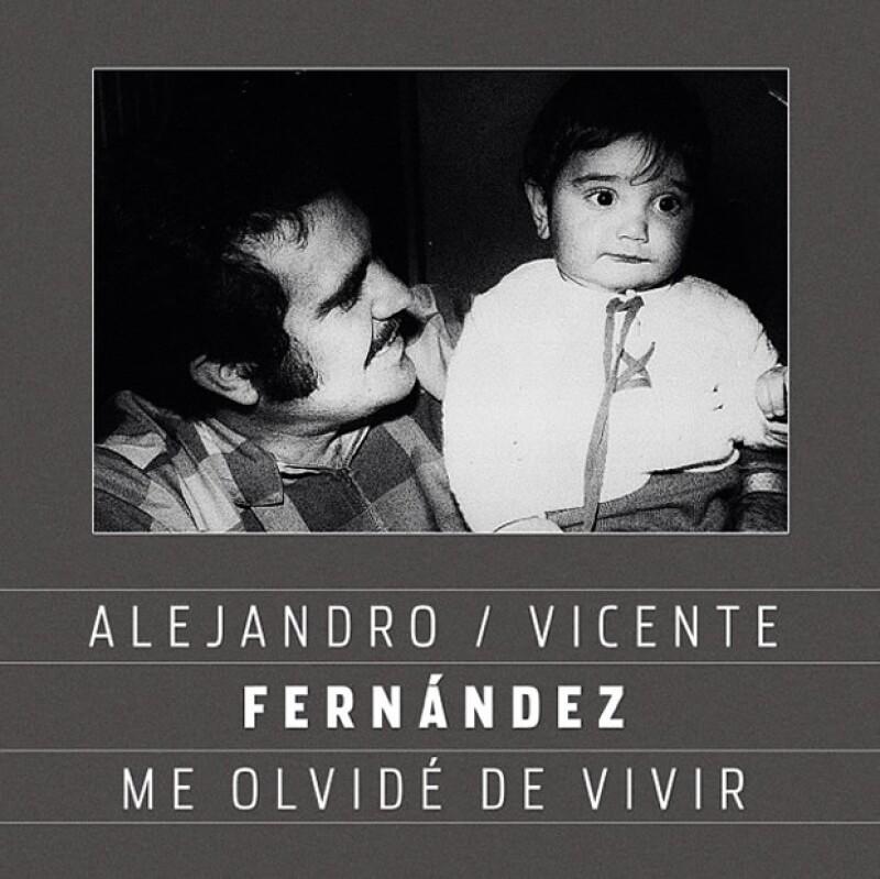 "Alejandro hizo un dueto junto a Vicente Fernández titulado ""Me olvidé de vivir"", canción que grabaron en su rancho."