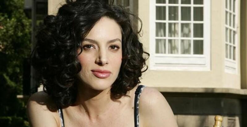 La actriz fue catalogada como el reemplazo en TvAzteca de Silvia Navarro, pero ella decidió irse a preparar a Nueva York para crecer profesionalmente.