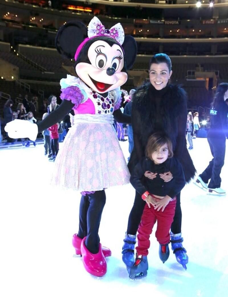 Kourtney y Mason acudieron al show Disney On Ice para celebrar el próximo cumple del primogénito.