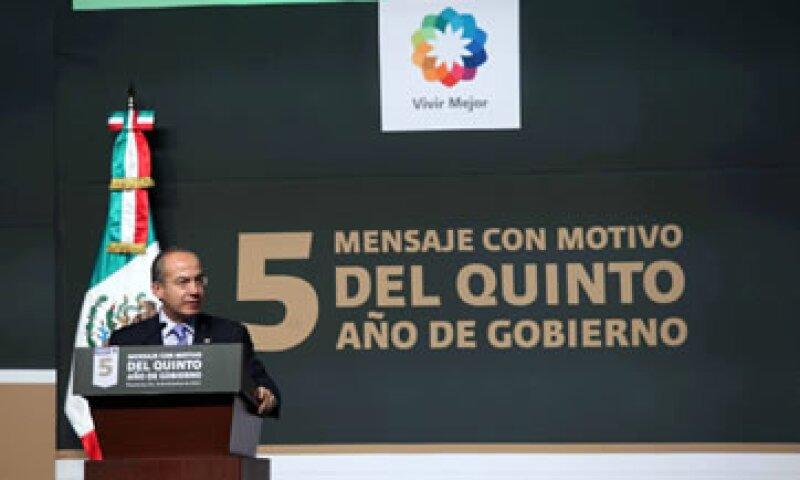 En materia social, Calderón sostuvo que se ha llevado el programa Oportunidades a 6 y medio millones de familias. (Foto: Notimex)