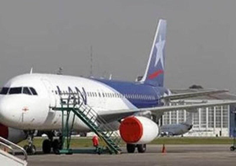 La aerolínea LAN deberá cumplir con el pago de su multa a más tardar el 14 de junio. (Foto: Reuters)