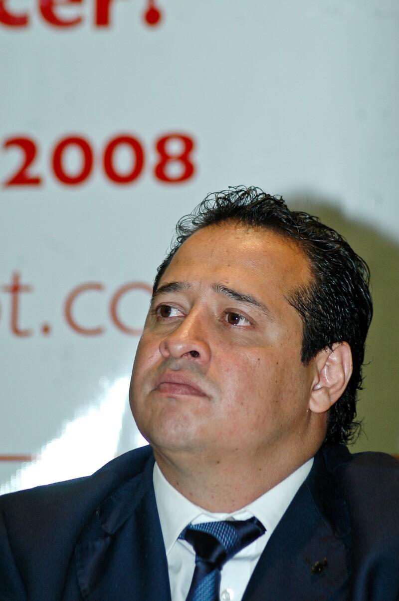 Enrique Pérez Correa formó parte del Partido Social Demócrata (PSD), que perdió su registro como partido político nacional en 2009.