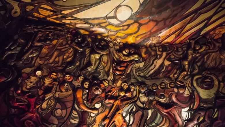 Su mural interior La Marcha de la Humanidad
