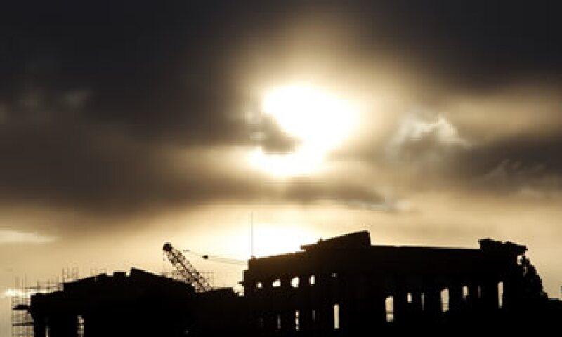 Los inversionistas temen que si la situación helena empeora se podría desencadenar una crisis en los mercados financieros mundiales. (Foto: AP)
