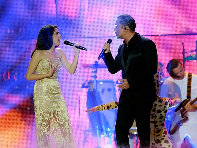 Camila y Alejandro conmovieron con su interpretación a dueto.