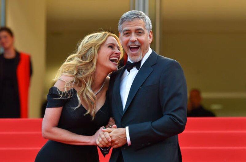 Súper sonriente, Julia debutó en Cannes como toda una profesional.