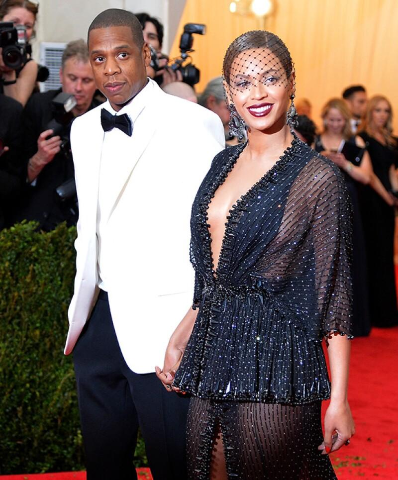 El rapero le ha dedicado unos versos de su nueva canción a la polémica generada por el disco de su esposa, Beyoncé, al respecto de una supuesta infidelidad.