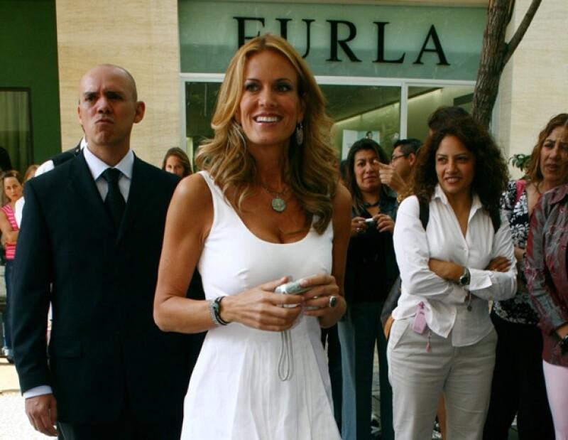 Rebecca de Alba ha encontrado mucho apoyo en la gente.