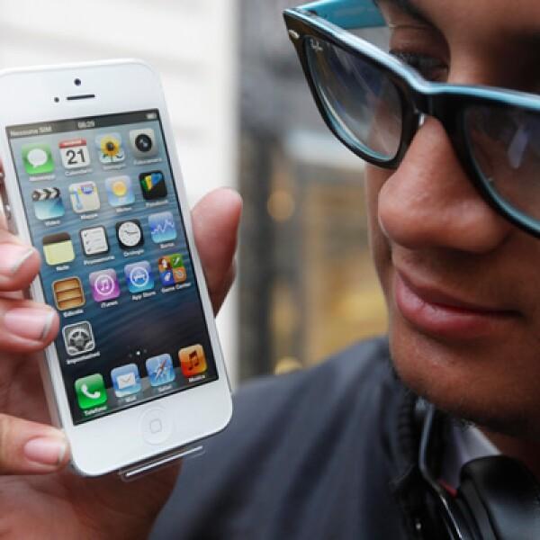 El teléfono también se vende en Francia y se estiama que se venderán hasta 10 millones en los días que restan de septiembre.