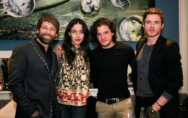 Juan Manuel Bernal, Cecilia Suárez, Kit Harington y Richard Madden.