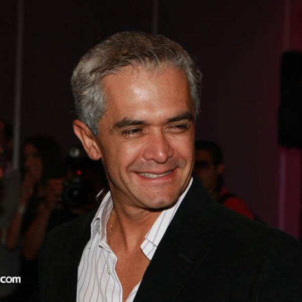 Miguel Ángel Mancera, quien es candidato del PRD a la jefatura del Gobierno, fue invitado a cortar el listón.