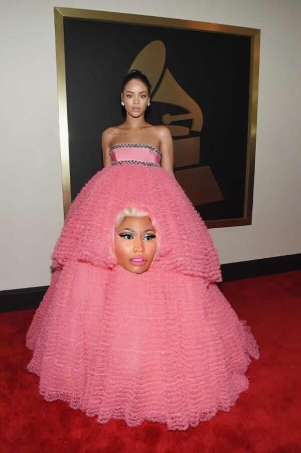 Tal parece que Rihanna prefirió usar a Nicki Minaj como vestido.