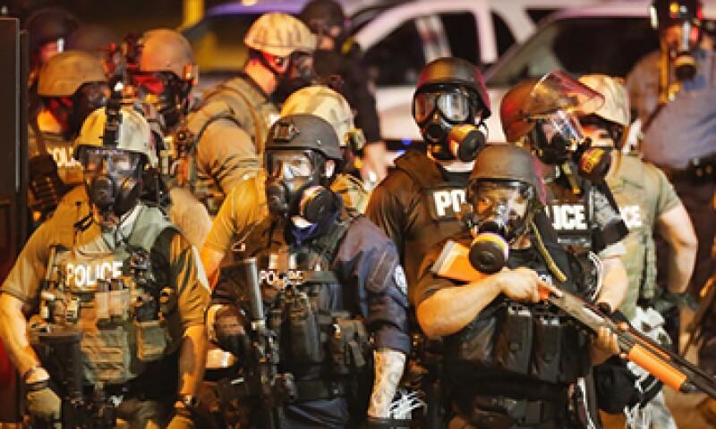 El jefe de la policía de Ferguson niega que su departamento se haya militarizado. (Foto: AFP)