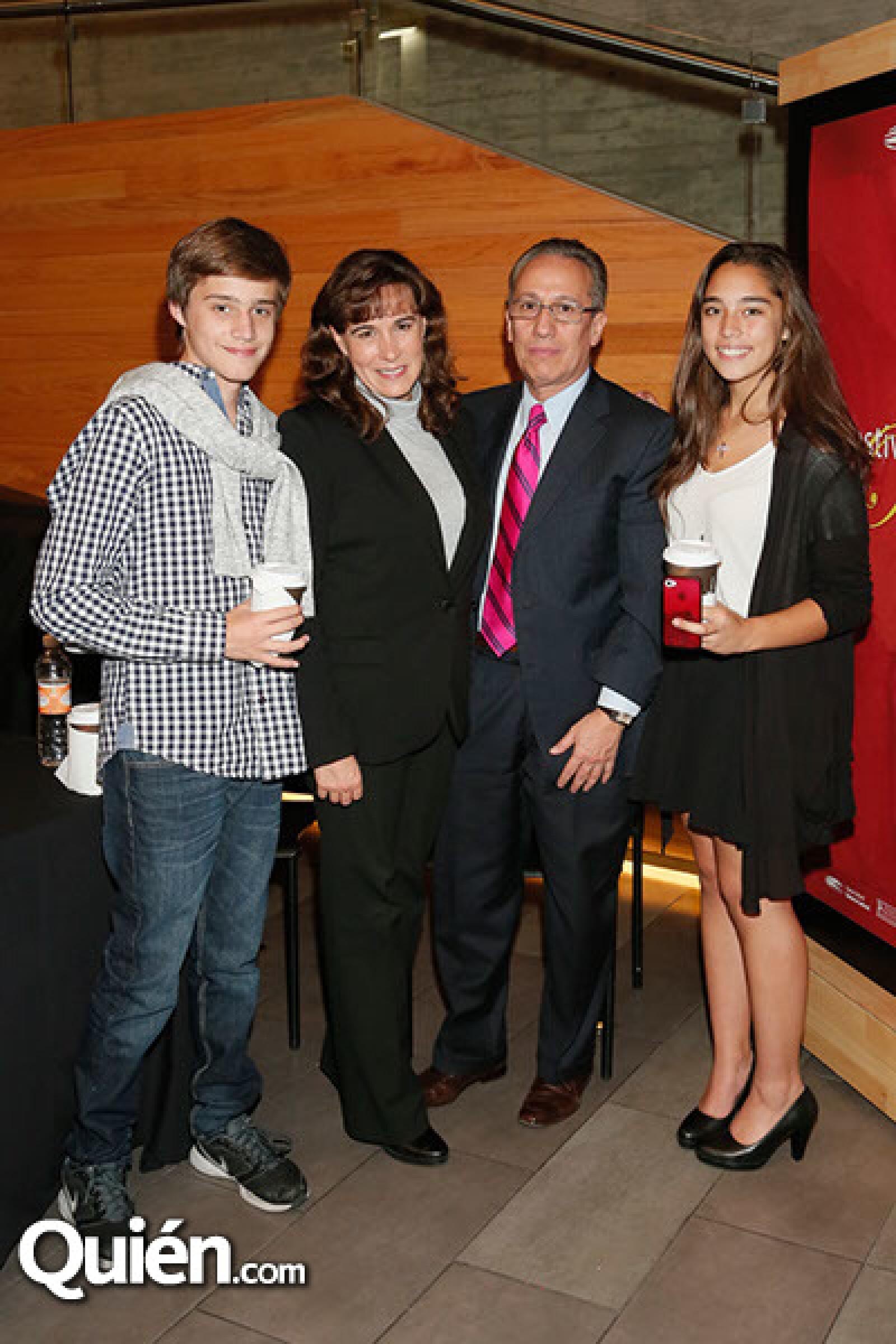 Francisco Castañon,Lilia Vargas,Miguel Campos y Daniela Castañón