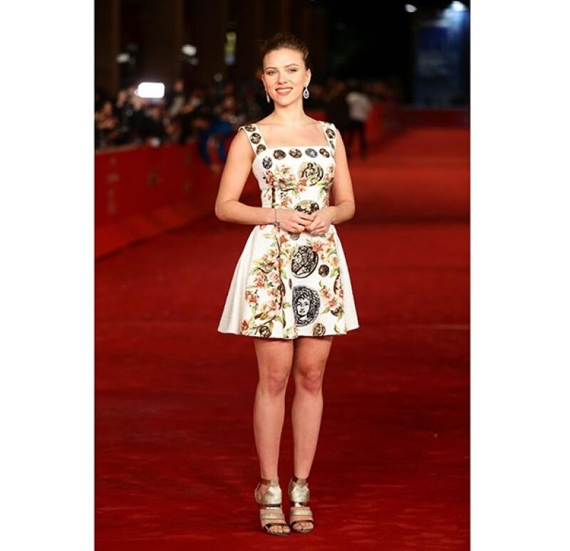 La actriz acuidó al Festival de Cine de Roma, luciendo su anillo de compromiso.
