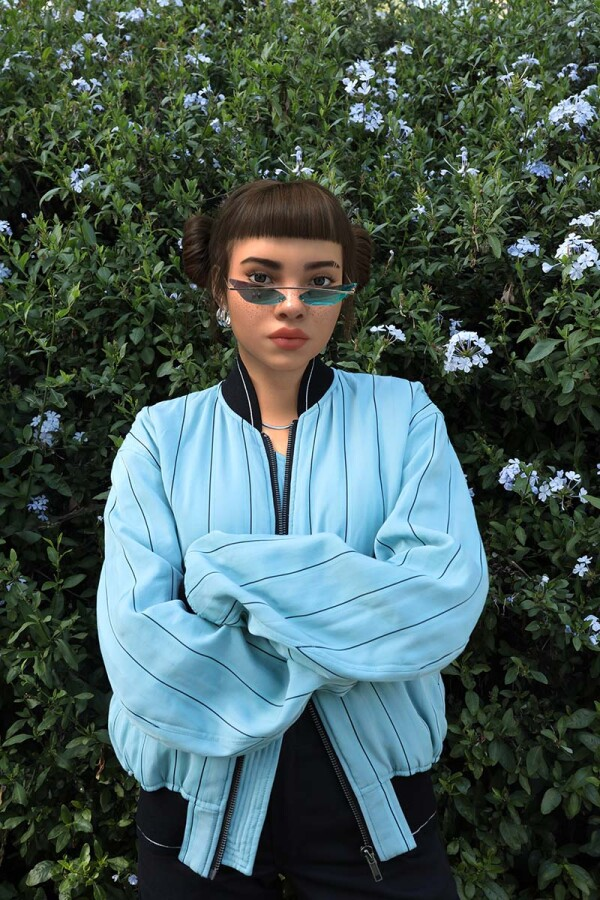 Miquela_Blue_Poppy