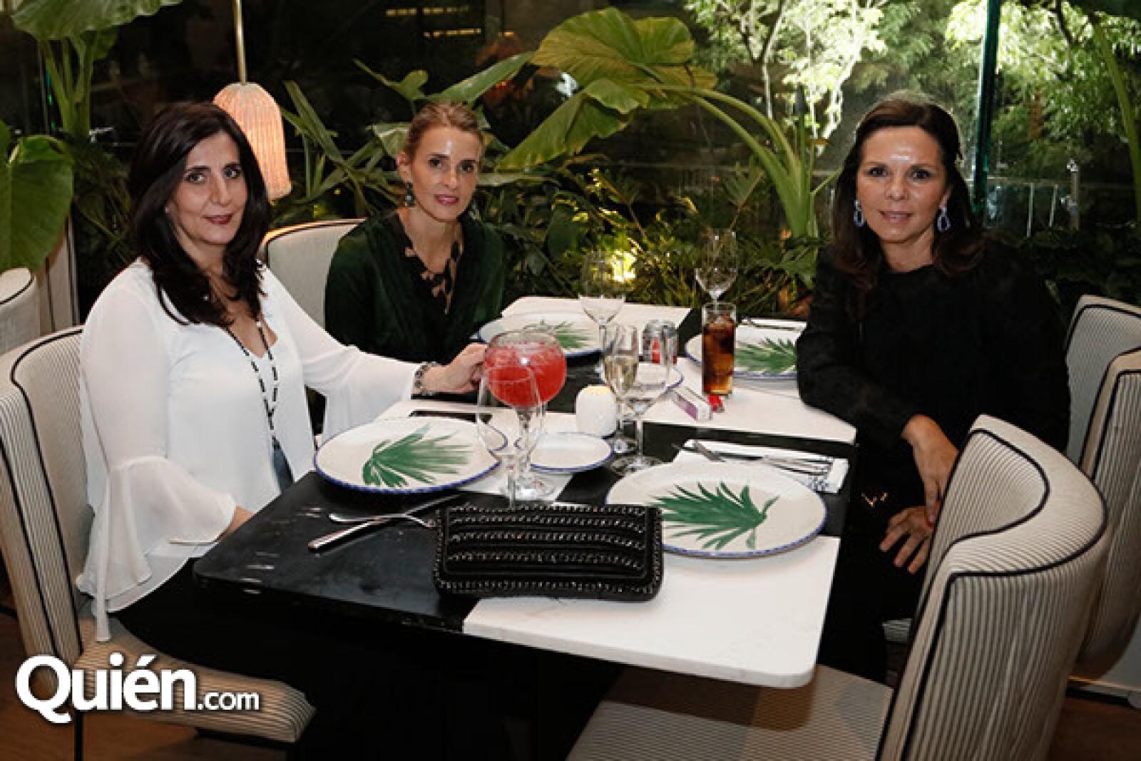 Teresa Mcfarlan, Ivonne Goudet y Adeina del Río