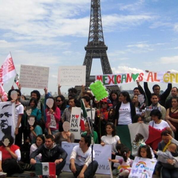 Marcha AMLO París 1