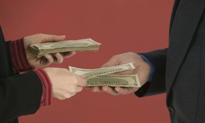 Los centros cambiarios deberán informar de operaciones mayores a 500 dólares a la SHCP. (Foto: Thinkstock)