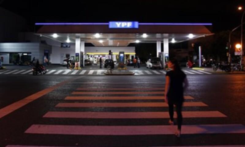 Argentina expropió el 51% del patrimonio de YPF. (Foto: Reuters)