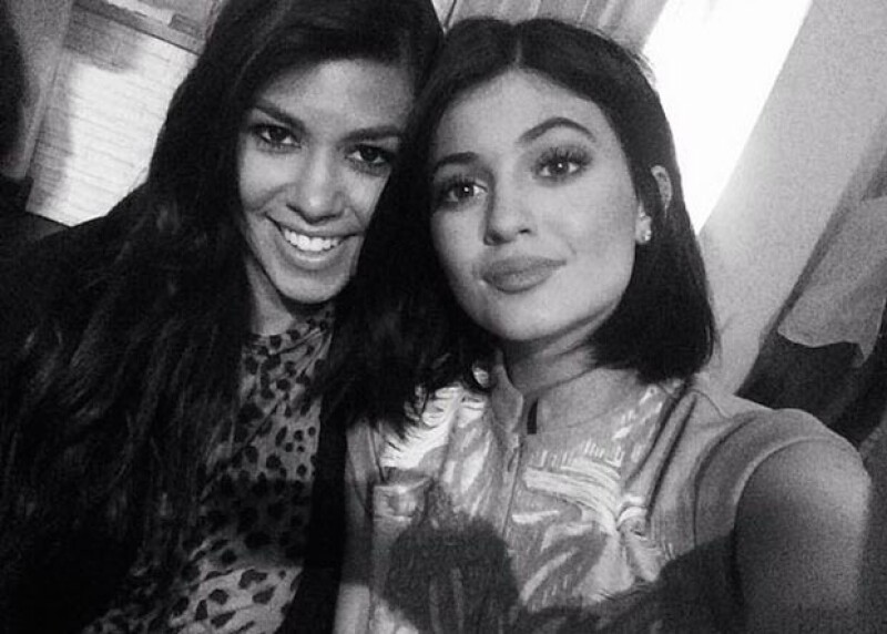 Kourtney Kardashian y Kylie Jenner, la mayor y menor del clan.