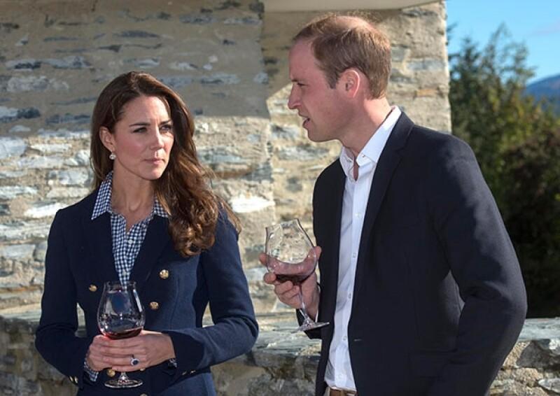 A pesar de que el fin de semana el rumor de un nuevo embarazo real tomó fuerza gracias a un comentario del príncipe Guillermo, la Duquesa dejó claro que es falso.