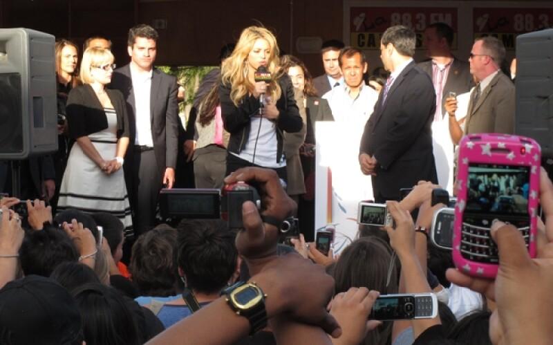 La cantante viajó hasta Phoenix, Arizona, este jueves. Ofreció una conferencia de prensa donde estaba el alcalde, Phil Gordon.
