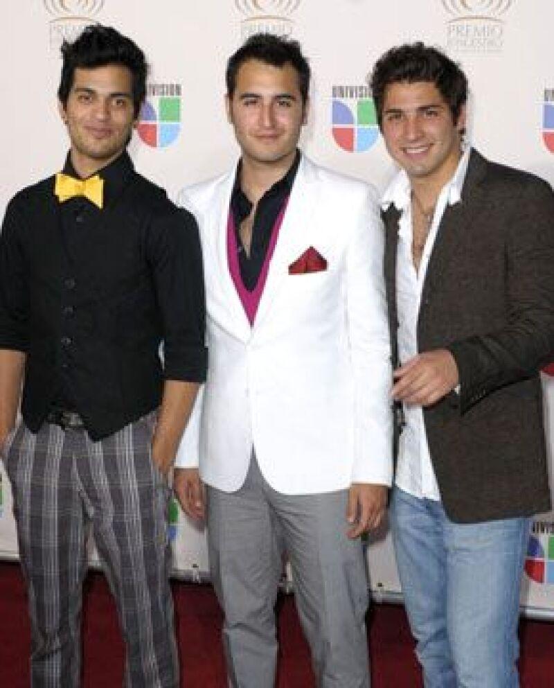 El trío de música pop continúa con la promoción de su disco `Un día más´y esperan que la canción `No desaparecerá´ se sume a su lista de éxitos.
