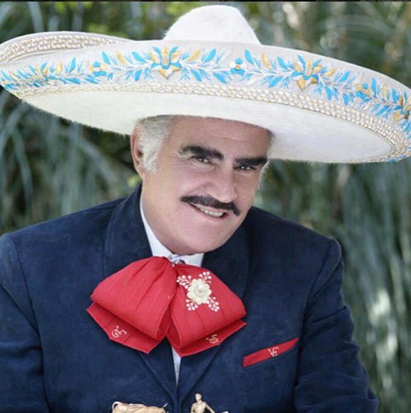 Para despedirse, el cantante anunció la fecha de su último concierto, el cual se realizará en el Estadio Azteca y será gratuito.